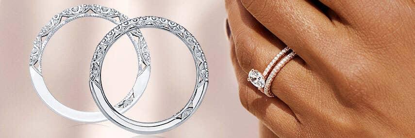 tacori-engagement-rings-petite-crescent-collection_d