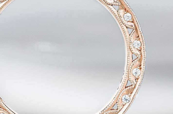 classic-crescent-detail