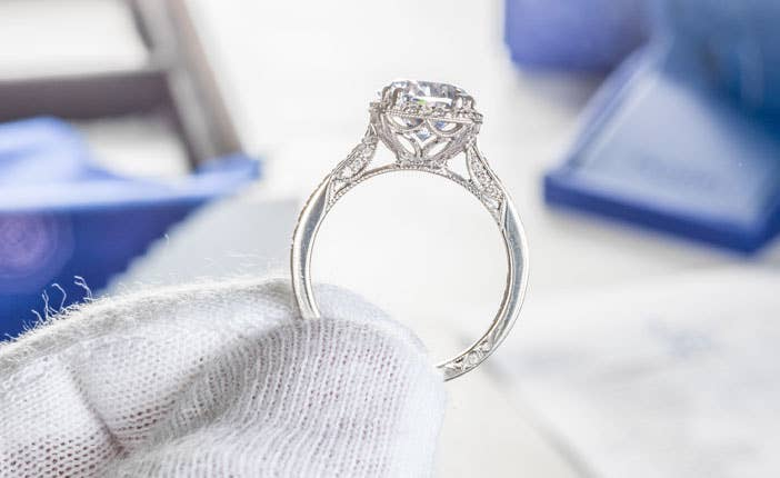 engagement-ring-guide-promise-of-service